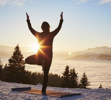 """Защо Гуинет Полтроу ни съветва да опитаме """"снежна йога""""?"""