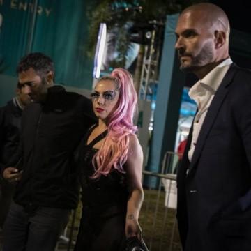 Кой е новият мъж до Лейди Гага?