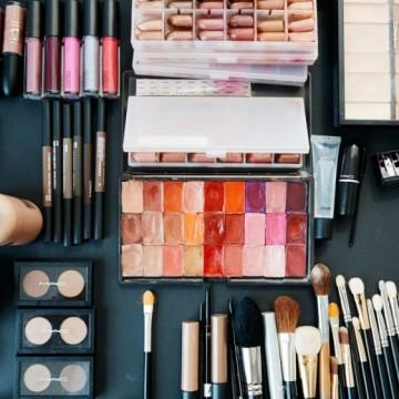 Как да разберем дали козметиката ни е с изтекъл срок на годност?
