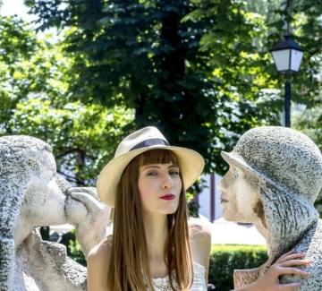 Как да се наслаждаваме на живота, носейки шапка?