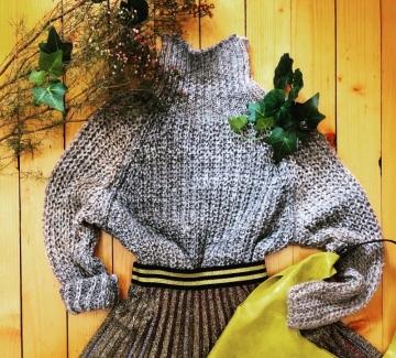 Находка на деня: пуловер+пола солей от Plámenna Fashion Boutique
