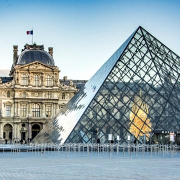 Франция затвори Лувъра заради коронавируса