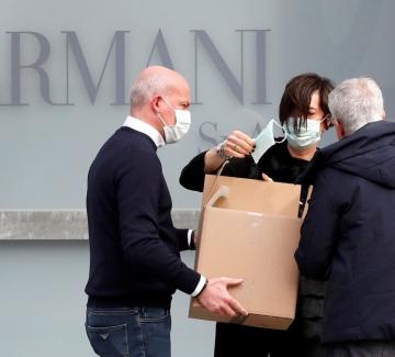 Джорджо Армани дари близо 1,25 милиона евро на болници в Рим и Милано