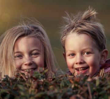 Гушкайте повече децата си, за да им помогнете да преодолеят страха си