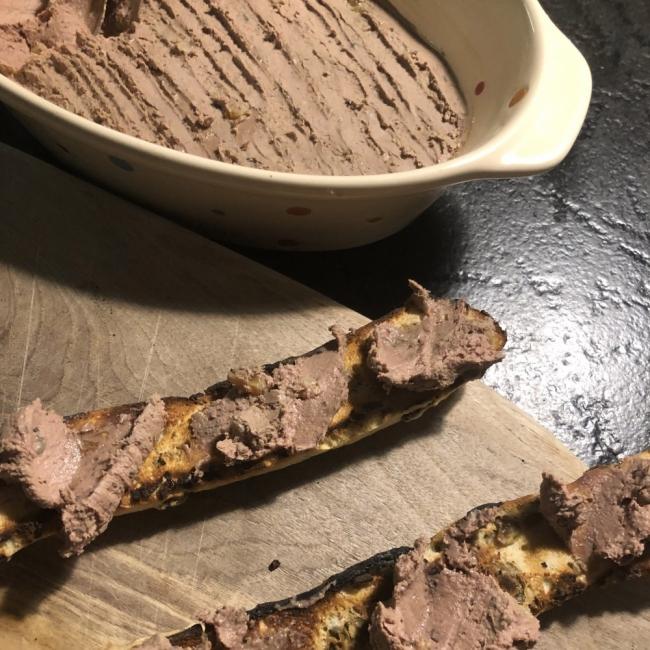 Една рецепта и си там: Пилешки пастет от ресторант Atelier