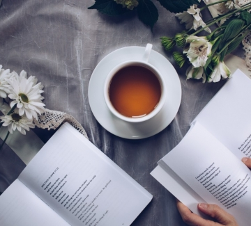 3 любими стихотворения на Петя Дубарова