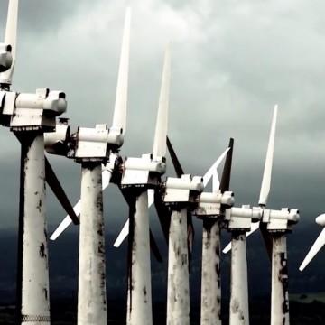 """Експерти по климата настояват за свалянето на """"опасен"""" филм на Майкъл Мур"""