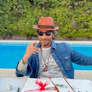 Креативният директор на Valentino: В този момент ние не се нуждаем от вещи, нуждаем се от хора