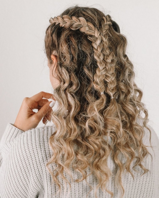 17 прически за чуплива и къдрава коса