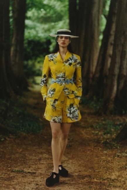 Романтично завръщане към природата с колекция Erdem Resort 2021