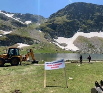 Багерът на Седемте рилски езера (засега) спря работа