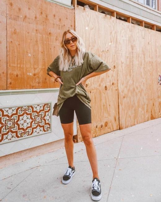 15 стайлинг идеи как да носим oversize тениска