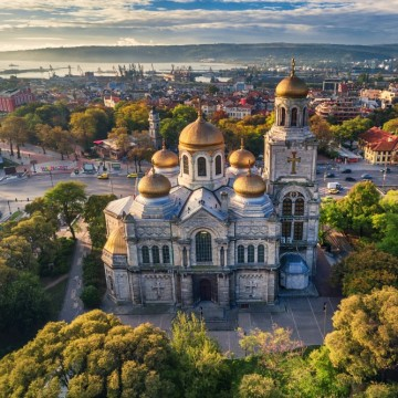 Скандално: цели 19 сделки с общински имоти във Варна за ден!