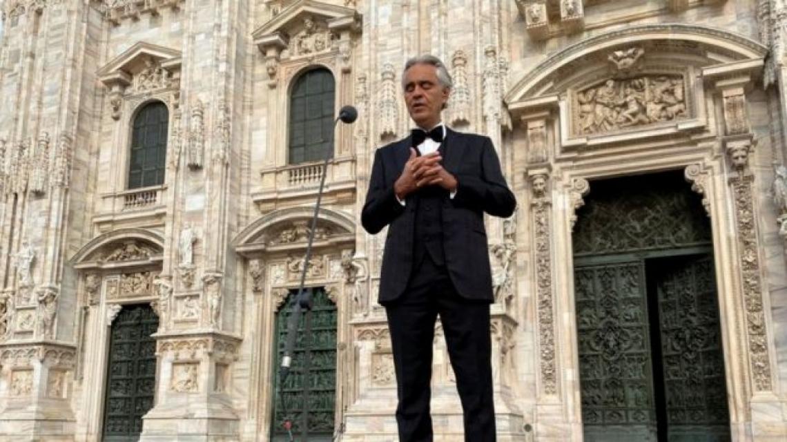 """Андреа Бочели се чувства """"унижен"""" от мерките на Италия за справяне с коронавируса"""