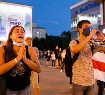 """Младите в Беларус: """"Лукашенко отне правата и гласовете ни!"""""""