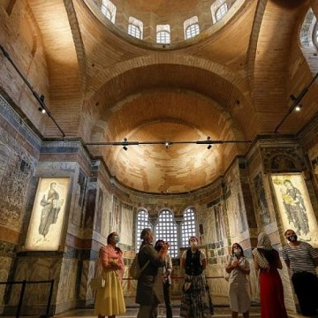 Турция превръща още една църква в джамия