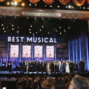"""Наградите """"Тони"""" ще се връчват онлайн"""