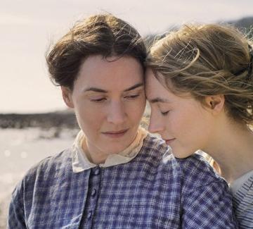 """За премиерата на """"Амонит"""" и любовта между две жени"""