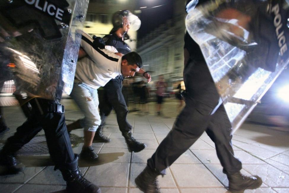 Тази нощ: провокации, насилие над протестиращи, Орловград разрушен