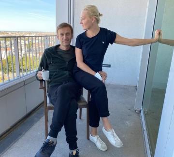Навални към съпругата си: Любовта ти ме спаси!