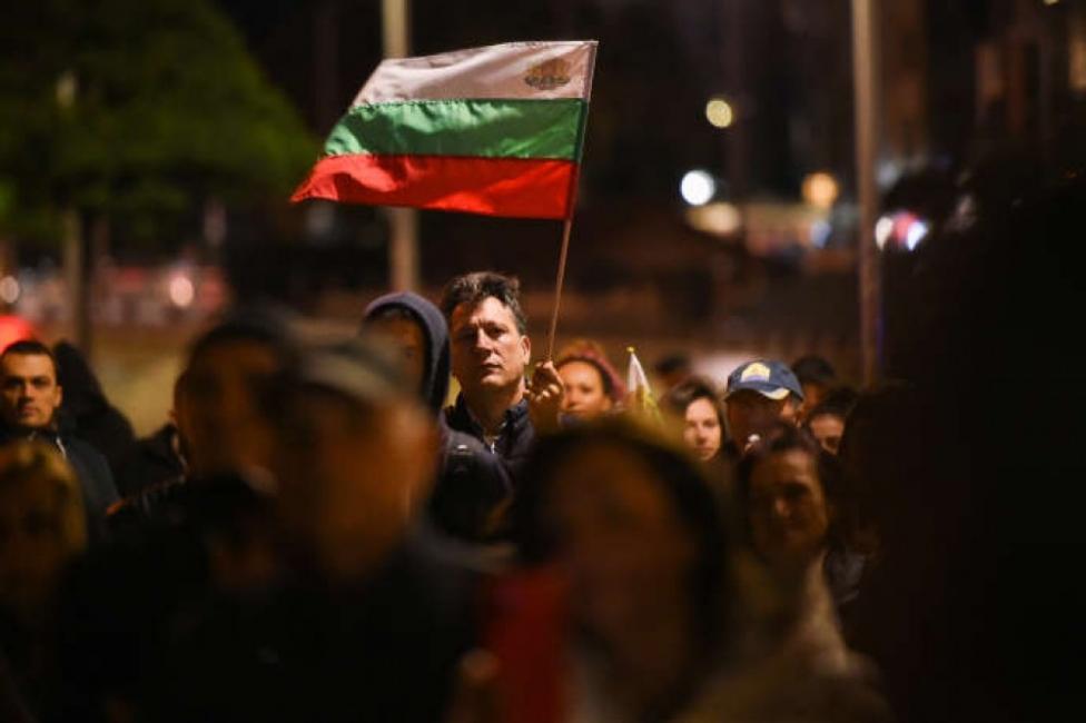 "Le Monde за България: Протестите срещу ""мафиотската диктатура"" не спират"