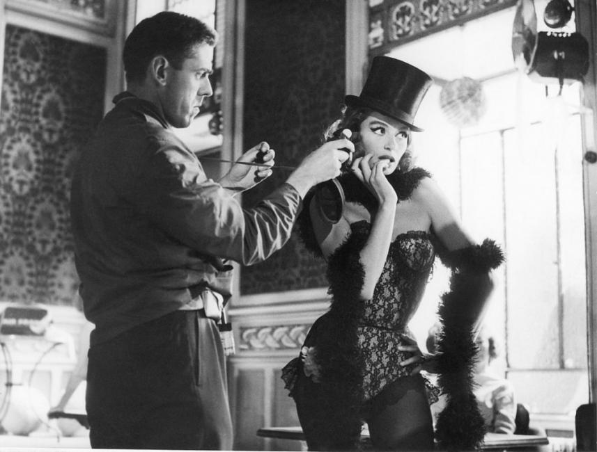 19 кадъра, които ни пренасят зад кулисите на френското кино