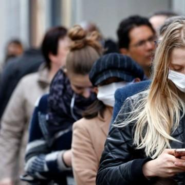 Масово недоволство: връщат маските на открито